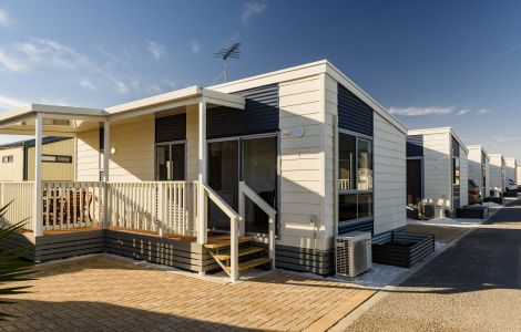 adelaide beachfront holiday caravan park adelaide sa discovery rh discoveryholidayparks com au