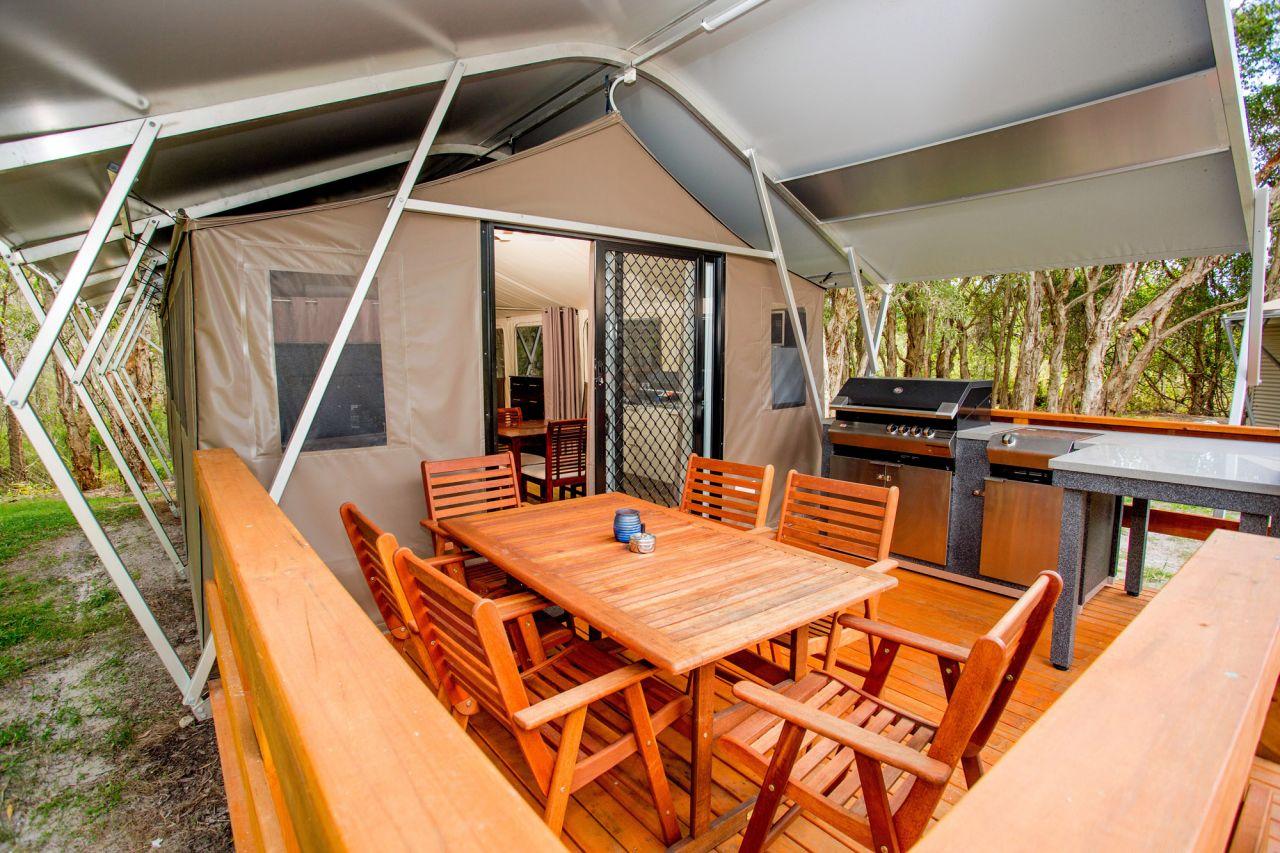 & Deluxe Safari Tent (Sleeps 6) | Byron Bay Caravan Park