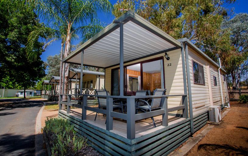 standard 2 bedroom cabin  sleeps 4  lake hume holiday